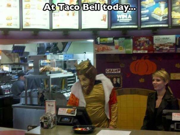 Πράγματα που δεν περιμένεις να δεις σε ένα Fast Food (11)