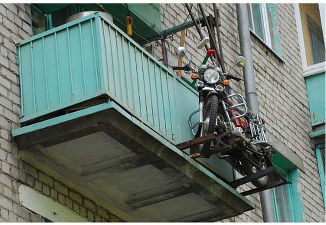 Πως να παρκάρεις την μοτοσυκλέτα σου στο μπαλκόνι (5)