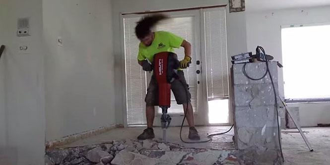 Πως χτίζει το σπίτι του ένας χεβιμεταλάς;