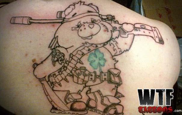 Τατουάζ που σε κάνουν να απορείς (10)