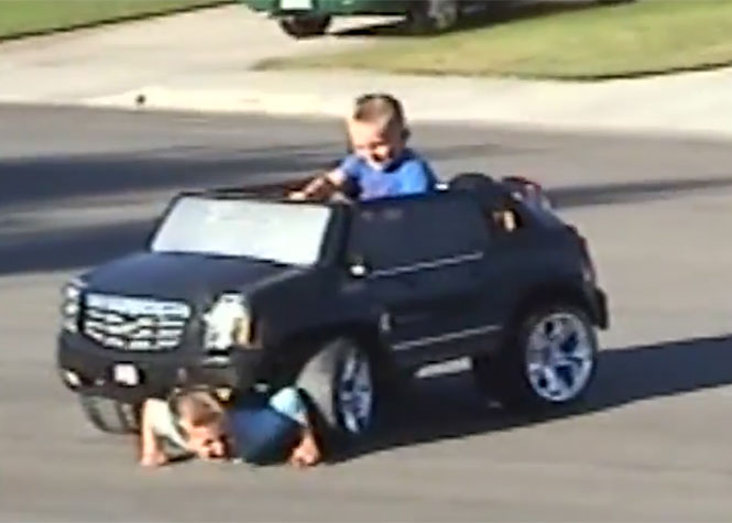 Αδέρφια σε κακές στιγμές