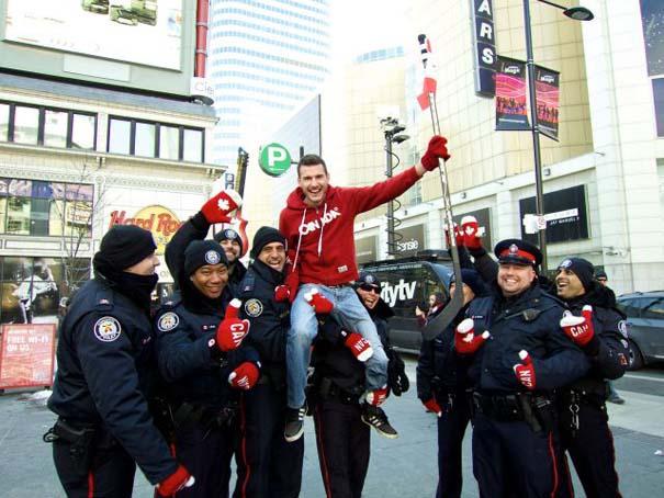 Εν τω μεταξύ, στον Καναδά... (2)
