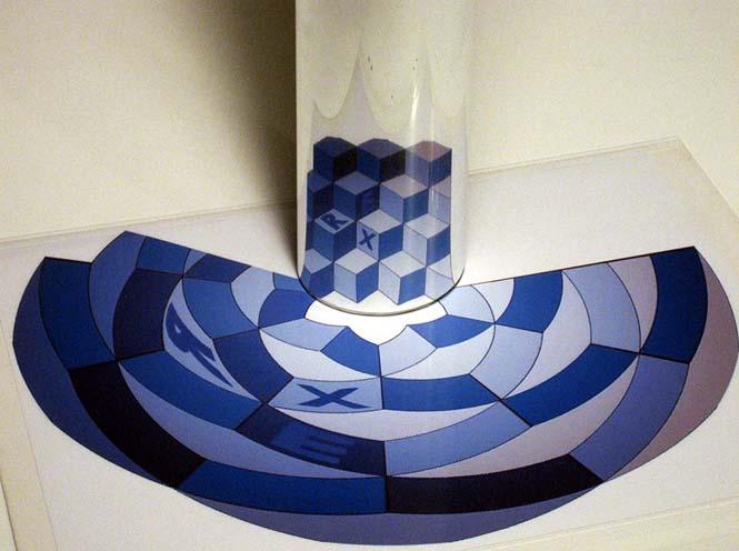 Έργα τέχνης που είναι ορατά μόνο με τη βοήθεια ενός κυλινδρικού καθρέπτη (7)
