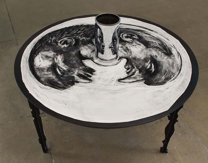 Έργα τέχνης που είναι ορατά μόνο με τη βοήθεια ενός κυλινδρικού καθρέπτη (11)
