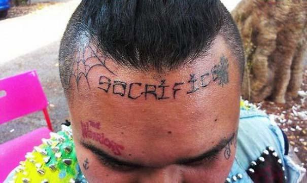 Κανείς δεν τους είπε πως τα τατουάζ είναι κάτι μόνιμο (12)
