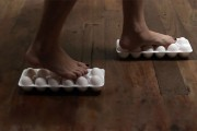 4 απίθανα κόλπα που μπορείτε να κάνετε με αυγά