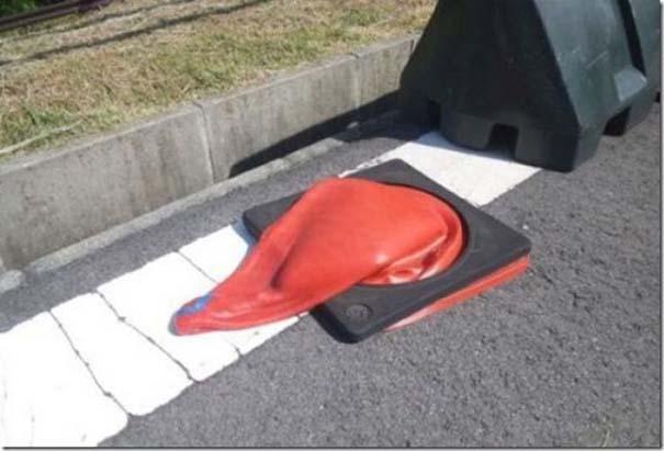 Ξέρεις ότι έχει αφόρητη ζέστη, όταν... (2)