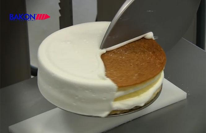 Μετά από αυτό το βίντεο θα θέλετε απεγνωσμένα λίγη τούρτα