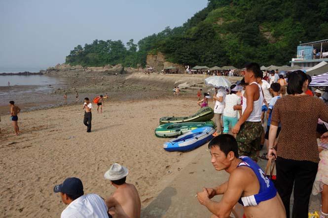 Μια μέρα σε παραλία της Βόρειας Κορέας (3)