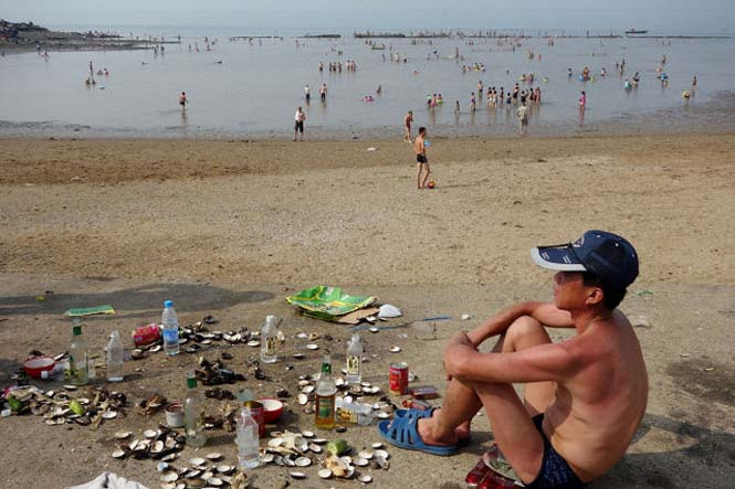 Μια μέρα σε παραλία της Βόρειας Κορέας (4)