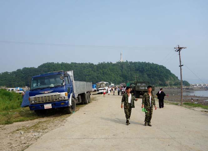 Μια μέρα σε παραλία της Βόρειας Κορέας (5)