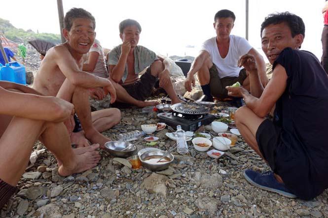 Μια μέρα σε παραλία της Βόρειας Κορέας (16)