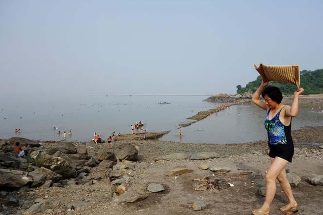 Μια μέρα σε παραλία της Βόρειας Κορέας (20)