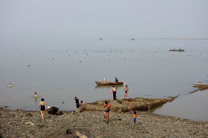 Μια μέρα σε παραλία της Βόρειας Κορέας (21)