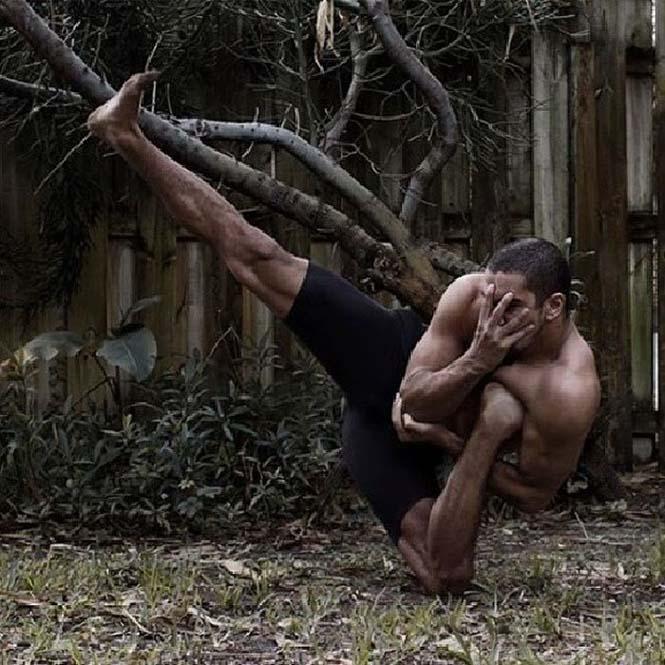 Ο άνθρωπος με τα «λαστιχένια» πόδια (17)