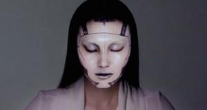Πως η τεχνολογία μπορεί να μεταμορφώσει ένα πρόσωπο (Video)
