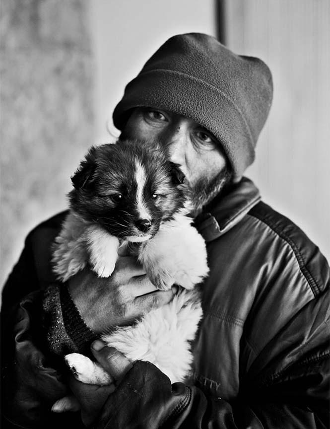 Σκύλοι με άστεγους ιδιοκτήτες (7)
