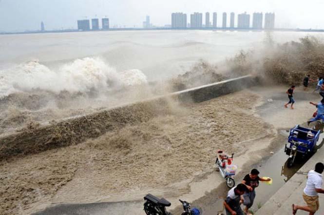 Τεράστιο παλιρροιακό κύμα στην Κίνα (6)
