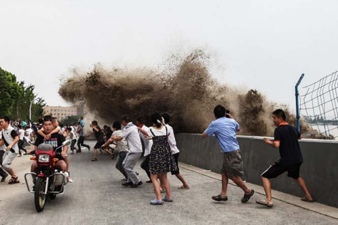 Τεράστιο παλιρροιακό κύμα στην Κίνα (9)