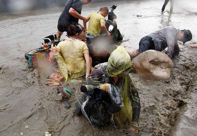 Τεράστιο παλιρροιακό κύμα στην Κίνα (12)