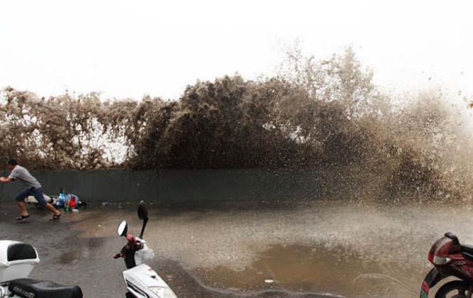 Τεράστιο παλιρροιακό κύμα στην Κίνα (17)