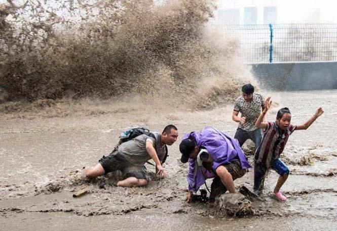 Τεράστιο παλιρροιακό κύμα στην Κίνα (19)