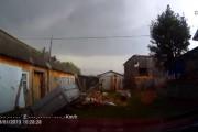 Ανεμοστρόβιλος καταστρέφει ολοκληρωτικά μια γειτονιά