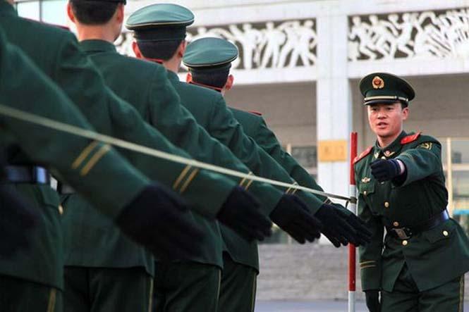 Εκπαίδευση κινέζικης αστυνομίας για την στρατιωτική παρέλαση (2)
