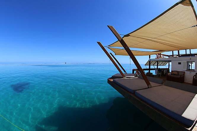 Εκπληκτικό πλωτό μπαρ στις ακτές των νησιών Φίτζι (3)