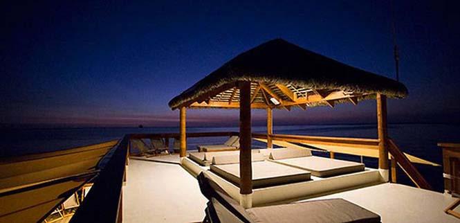 Εκπληκτικό πλωτό μπαρ στις ακτές των νησιών Φίτζι (4)