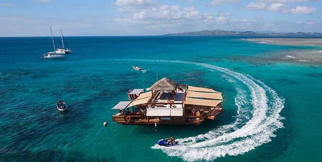 Εκπληκτικό πλωτό μπαρ στις ακτές των νησιών Φίτζι (6)