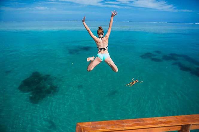 Εκπληκτικό πλωτό μπαρ στις ακτές των νησιών Φίτζι (7)