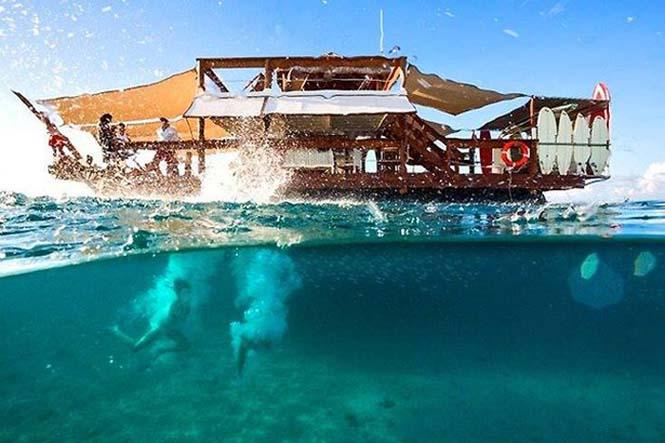 Εκπληκτικό πλωτό μπαρ στις ακτές των νησιών Φίτζι (11)