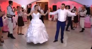 Ξέφρενο γαμήλιο γλέντι στην Μολδαβία (Video)