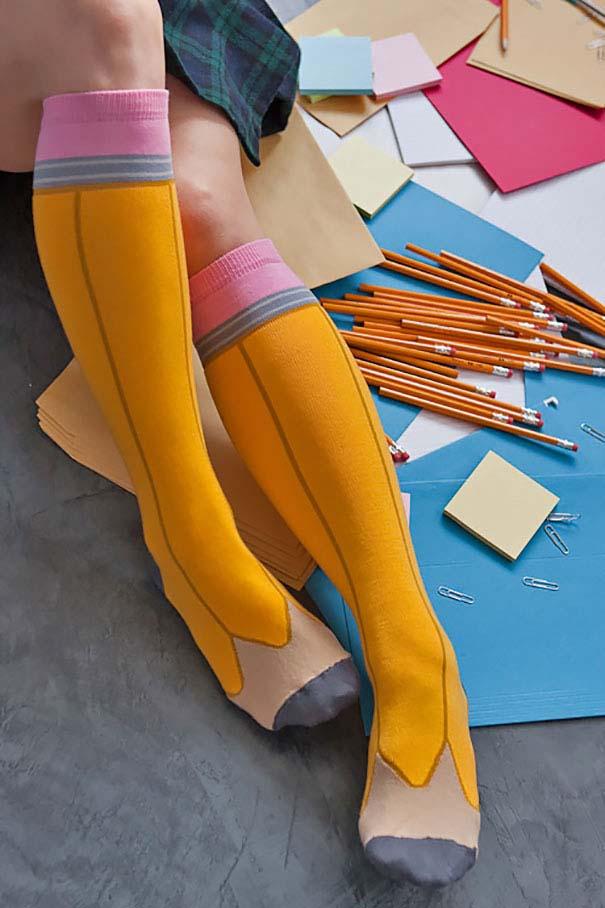 Κάλτσες και καλσόν που ξεφεύγουν εντελώς από τα συνηθισμένα (13)