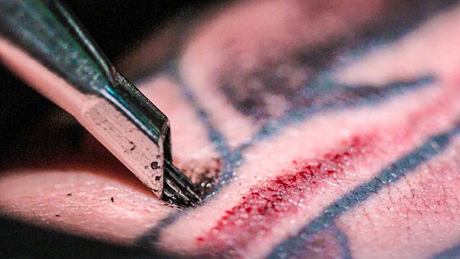 Κοντινή ματιά στην τέχνη του τατουάζ