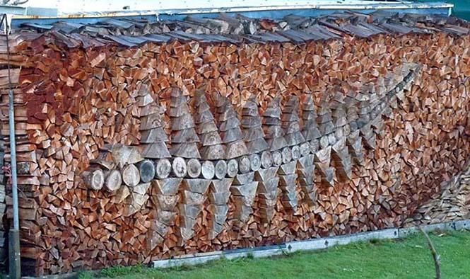 Τέχνη με στοίβες από ξύλα (5)