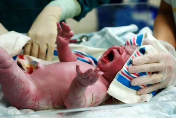 Το θαύμα της γέννησης σε μοναδικές φωτογραφίες (5)
