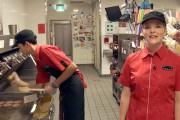 Βήμα βήμα η δημιουργία ενός cheeseburger (1)