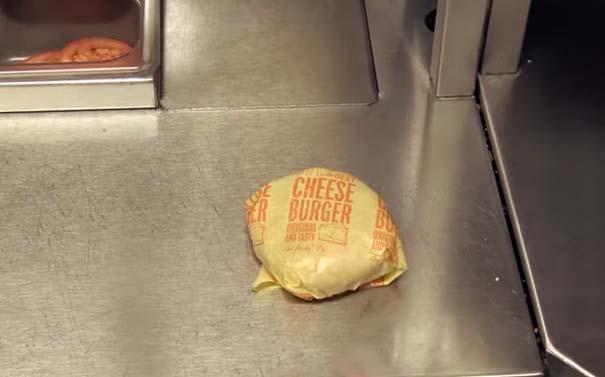 Βήμα βήμα η δημιουργία ενός cheeseburger (15)