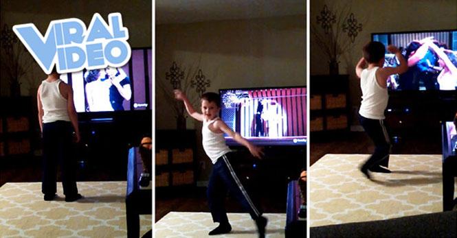 8χρονος χορεύει Dirty Dancing