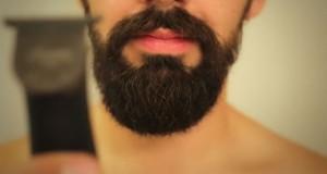 Η γυναίκα του τον ανάγκασε να ξυριστεί κι αυτός έφτιαξε μια ωδή στο μούσι του (Video)