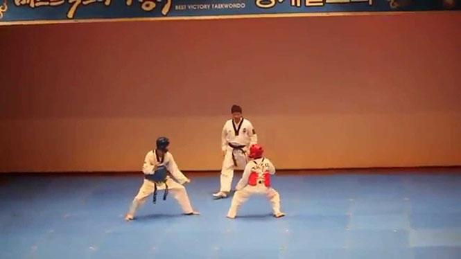 Αγώνας του Taekwondo παίρνει πραγματικά απρόσμενη τροπή
