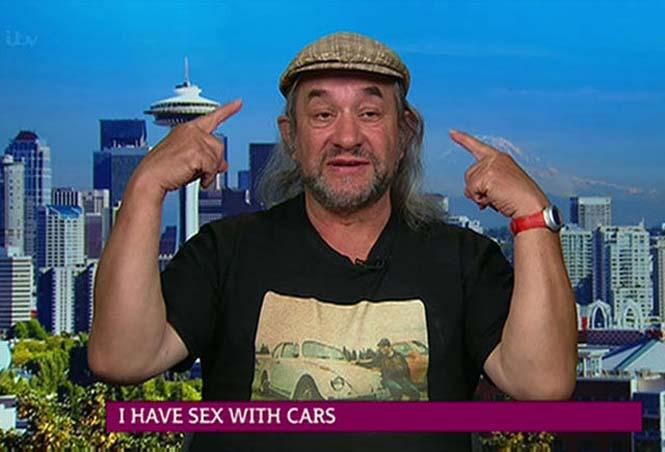 Αυτός ο άνδρας αγαπάει τα αυτοκίνητα λίγο παραπάνω απ' όσο πρέπει (12)
