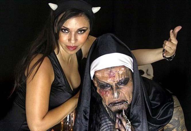 Ο άνδρας με το πρόσωπο του Διαβόλου (2)