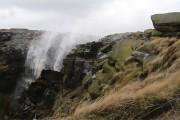 Όταν ο άνεμος είναι τόσο ισχυρός που κάνει έναν καταρράκτη 30 μέτρων να γυρίζει ανάποδα