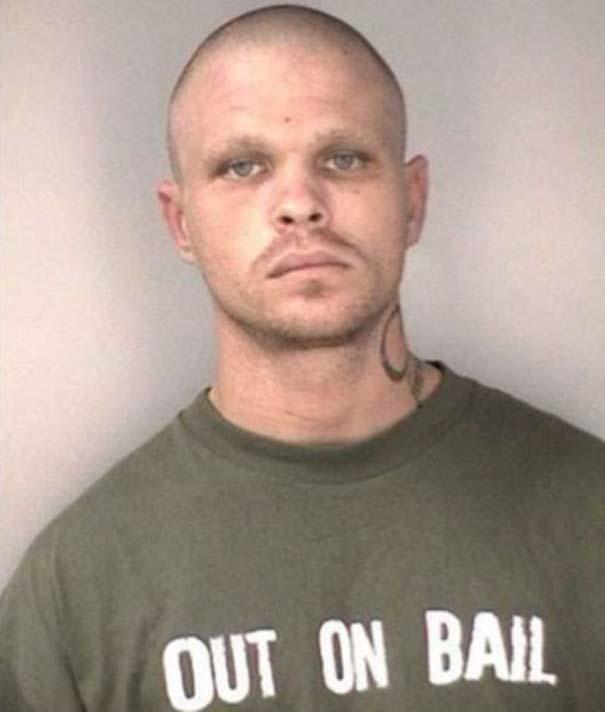Άνθρωποι που συνελήφθησαν με την κατάλληλη μπλούζα για την περίσταση (17)