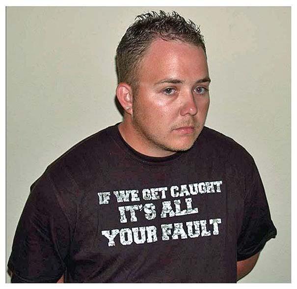 Άνθρωποι που συνελήφθησαν με την κατάλληλη μπλούζα για την περίσταση (21)