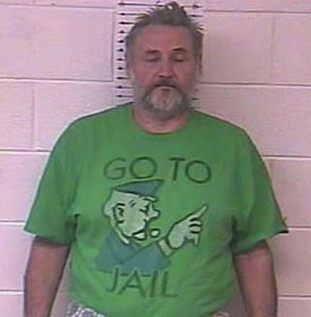 Άνθρωποι που συνελήφθησαν με την κατάλληλη μπλούζα για την περίσταση (23)