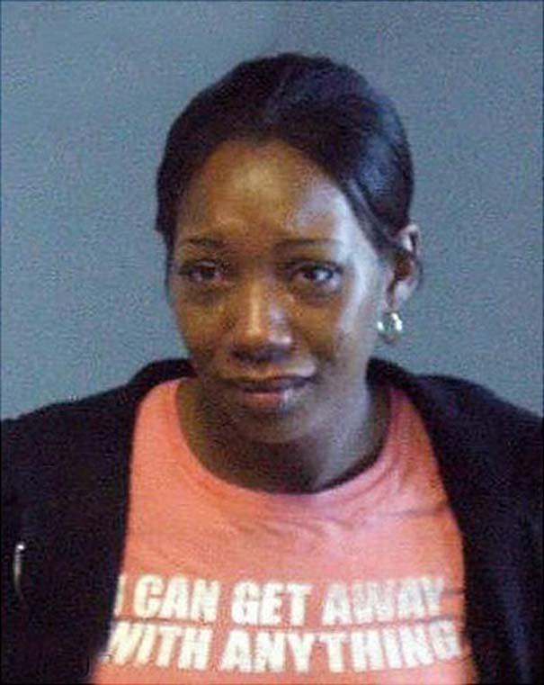 Άνθρωποι που συνελήφθησαν με την κατάλληλη μπλούζα για την περίσταση (25)
